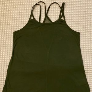Woman's old navy active brand new tank top